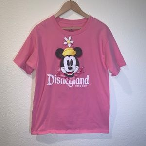 DISNEY DISNEYLAND RESORT T-SHIRT SIZE MEDIUM